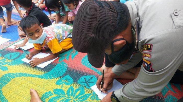 Sosok Bripka Andi, Personil Polres Dairi yang Dirikan Sekolah Alam Terbuka di Tepian Danau Toba