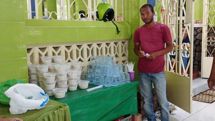 Pertahankan Tradisi Sejak 1930, Masjid Jamik Silalas Bagikan Bubur Sop Khas Melayu