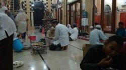 Masjid Taqwa Sediakan Takjil untuk Musafir, Sehari 70 hingga100 Porsi