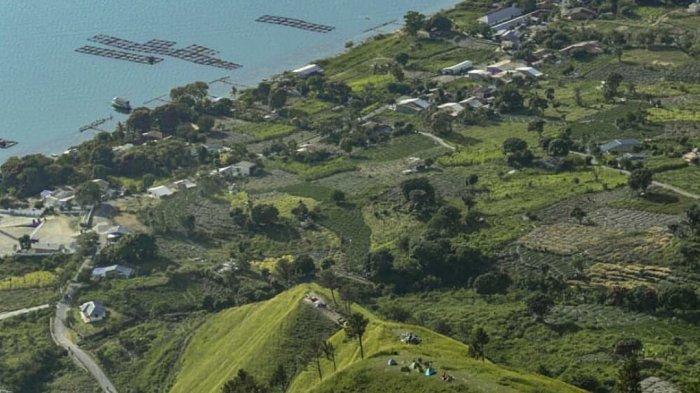 Bukit Siadtaratas berada diDesa Paropo