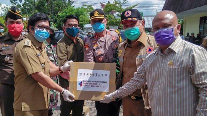Bupati Dairi Minta Warga Tabah, Bantuan Sembako dari Pemprov Sumut Baru 9.800 Paket Didistribusikan