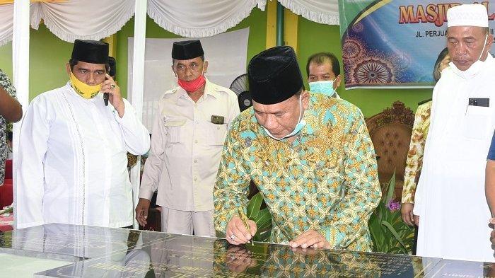Bupati Ashari Ajak Masyarakat Ramaikan Masjid Al-Barokah di Tanjung Morawa