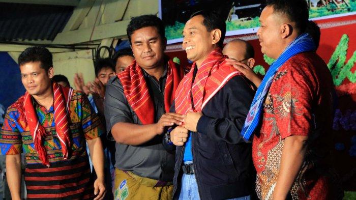 Kerja Tahun Desa Samura, JR Saragih Tanamkan Semangat Anak Muda Karo