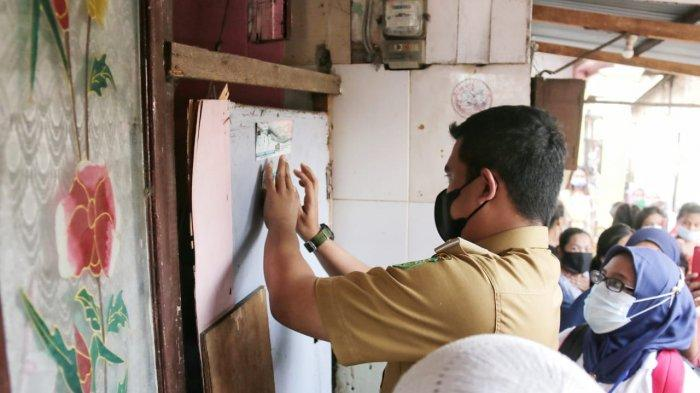 Datangi Langsung Rumah Warga, Bobby Nasution Pastikan Warga Miskin Terdata sebagai Penerima Bantuan