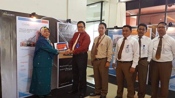 Bank Sumut Cabkor Padangsidempuan Serahkan Klaim Santunan Asuransi Kepada Sembilan Ahli Waris