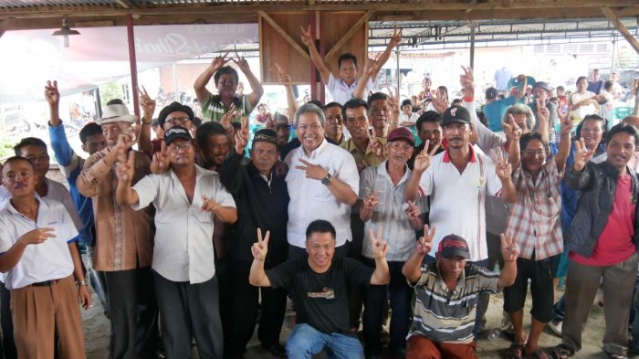 Eddy Berutu Tetap Disambut Antusias, Dengar Keluhan Masyarakat Warga Desa Parongi