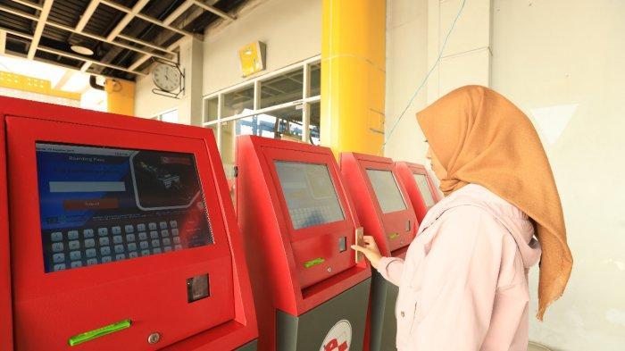 PELNI Rencanakan Tambah Mesin Cetak Boarding Pass Mandiri