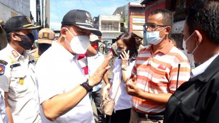 Dukung Program Kotaku, Camat Medan Area Pimpin Penertiban PKL Gang Langgar