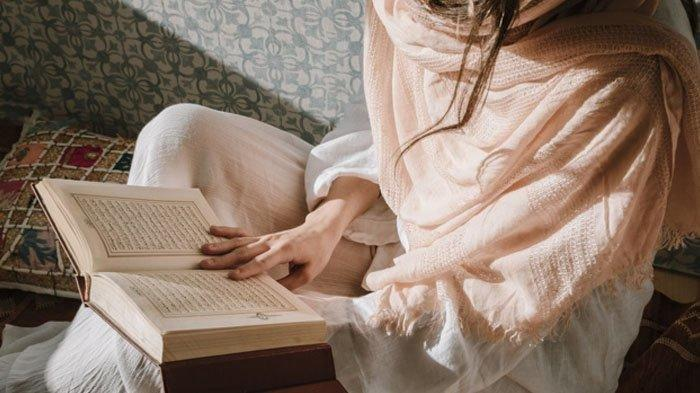 Cara Perempuan Haid Baca Al Quran Agar Dapat Berkah Malam Lailatul Qadar Ramadhan 1442 H