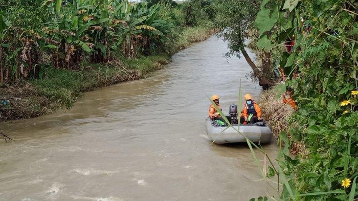 Tim SAR Masih Cari Pekerja Asal Pasuruan yang Hanyut Usai Kecelakaan di Jembatan Amblas