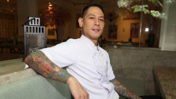 Usia Chef Juna Ternyata Hampir Setengah Abad, Ini Rahasianya Tetap Terlihat Awet Muda