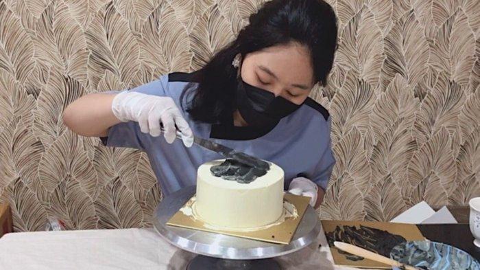 SOSOK Cindy Aurellia, Pengusaha Muda Asal Medan yang Fokus Berbisnis Korean Cake