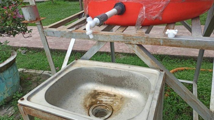 KONDISI fasilitas cuci tangan di Lapangan Merdeka Medan yang rusak dan tidak bisa digunakan.