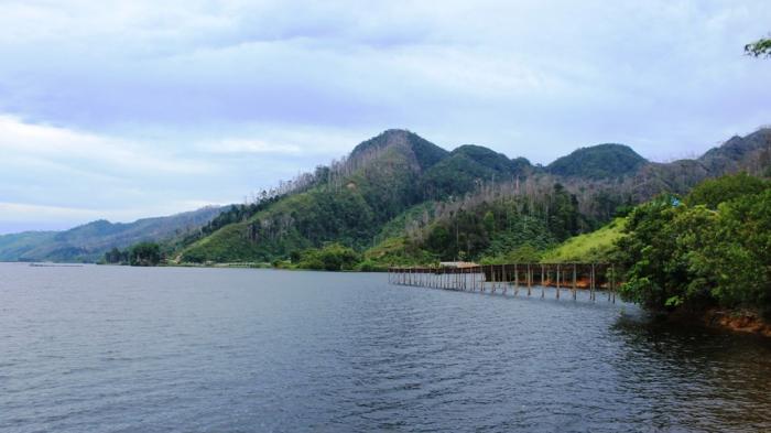 5 Rekomendasi Danau di Sumut Yang Cocok Jadi Tempat Piknik Bareng Keluarga