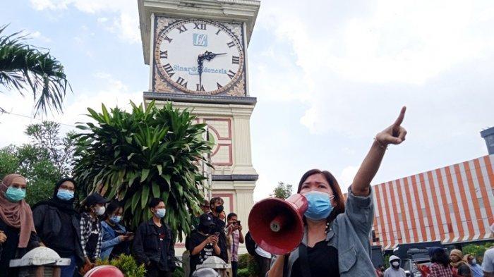 BREAKING NEWS Peserta Aksi May Day Cekcok dengan Polisi, Mobil Pemburu Preman Siaga Pantau Aksi