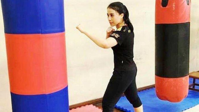 Dokter Umum Atlet Wushu Ini Kelimpungan Bagi Tugas Latihan untuk Ikut Kejuaraan PON