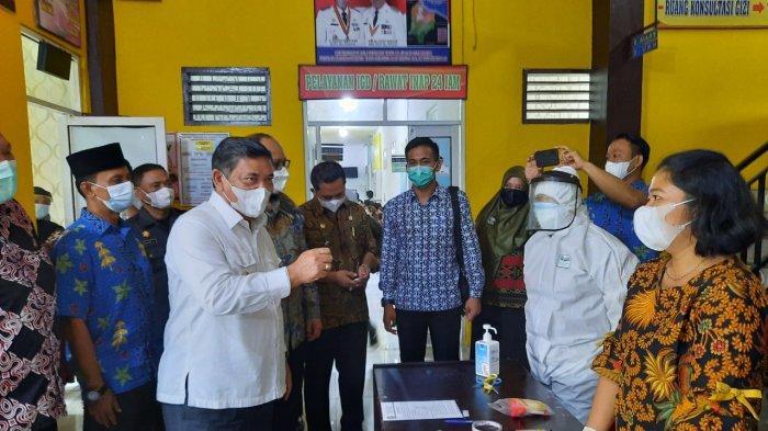Wabup Deli Serdang Tinjau Pelaksanaan Vaksinasi Massal di Percut Seituan dan Batang Kuis