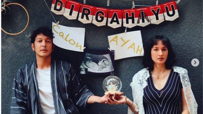 Dimas Anggara dan Nadine Chandrawinata kabarkan kehamilan