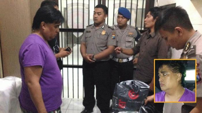Dimas Kanjeng Taat Pribadi saat menjalani pemeriksaan pihak kepolisian