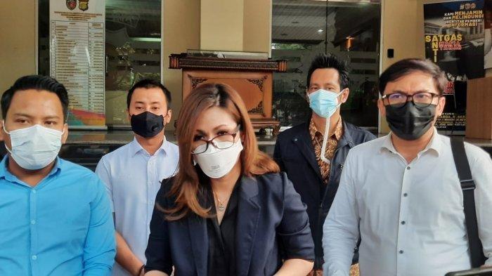 Fotonya Ditampilkan di Kasus dr.Lois Owien, dr.Louise Kartika Laporkan 50 Media ke Polda Metro Jaya