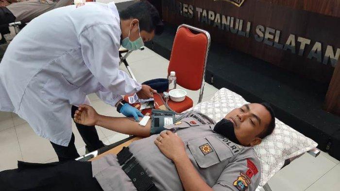 Sambut Hari Bhayangkara ke-74, Jajaran Polres Tapanuli Selatan Laksanakan Donor Darah