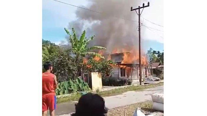 Ditinggal Pergi ke Ladang, 2 Rumah Terbakar di Taput