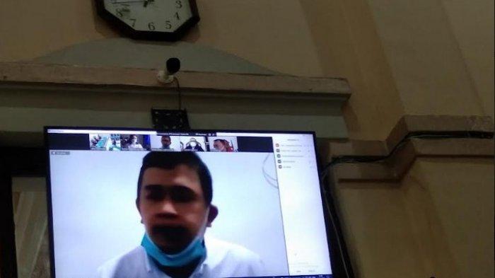 DITANGKAP Malam Hari, Polisi Sebut Dapati Sisa Vaksin di Kulkas Dokter Indra