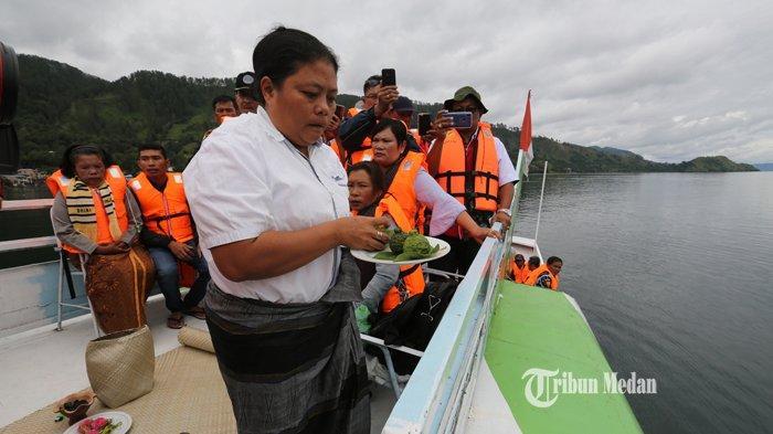 BERITA FOTO Dukun Tenggelamnya KM Sinar Bangun Mendaftarkan Diri Sebagai Calon Wali Kota Siantar - dukun-km-sinar-bangun-3.jpg