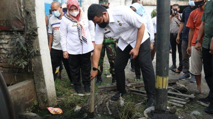 Bobby Nasution Cek Langsung Kondisi Drainase Penyebab Banjir di Jalan Sunggal