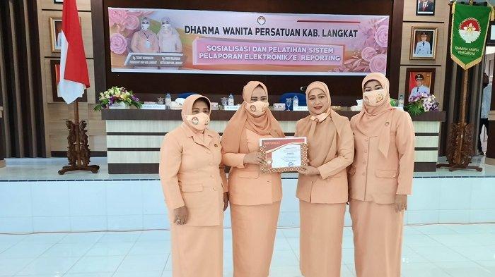 Majukan Sistem Manajemen Dharma Wanita, Ketua DWP Langkat Sosialisasikan E-Reporting