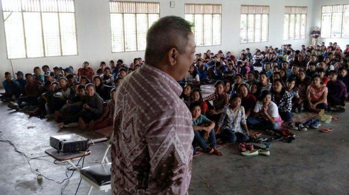 Dr Eddy Berutu Tumbuhkan Pelaku UKM di Kabupaten Dairi
