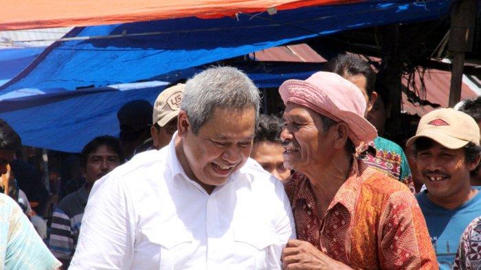 Eddy Berutu Kunjungi Pasar Parongil, Pedagang Teriak Perubahan