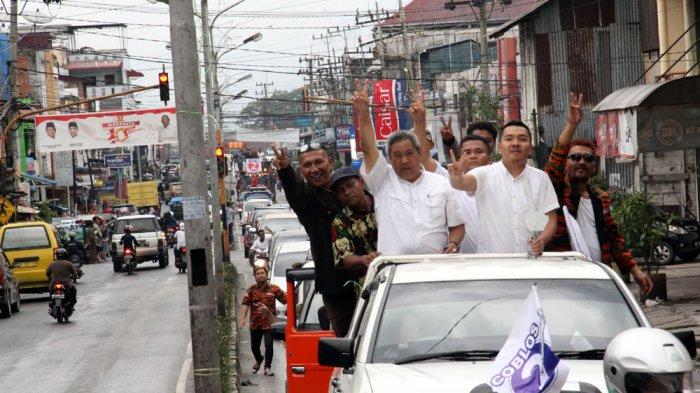 Usai Deklarasi Kampanye Damai, Pendukung Eddy Berutu Menanti di Pinggir Jalan