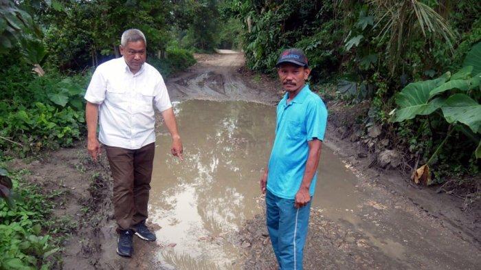 Cabup Dairi Eddy Berutu Sedih Melihat Kondisi Masyarakat Desa Alur Subur