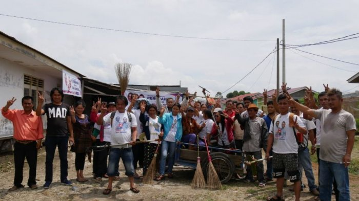 Relawan Eddy-Jimmy Inisiatif Gotong Royong Bersama Warga
