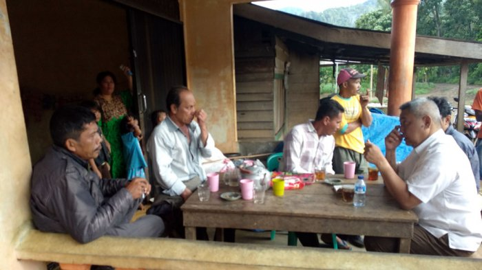 Menginap di Rumah Warga, Eddy Berutu Manfaatkan Dengar Semua Keluhan Warga
