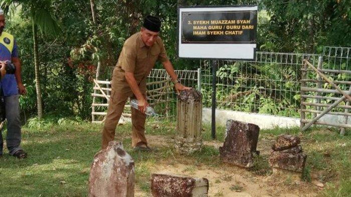 Kunjungan Ke Tapteng, Edy Sempatkan Ziarah ke Makam Penyebar Islam di Barus