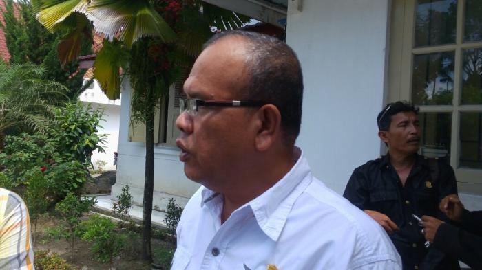 Eliakim Simanjuntak saat menjabat sebagai Ketua DPRD Siantar.