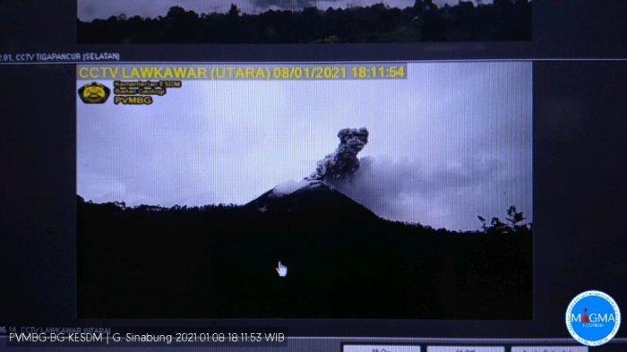 Gunung Sinabung Kembali Erupsi, Luncurkan Abu Vulkanik Setinggi 700 Meter