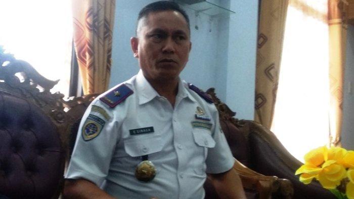 Kepala Dinas Perhubungan Kota Pematangsiantar Esron Sinaga saat ditemui di kantornya, Kamis (19/12/2019).