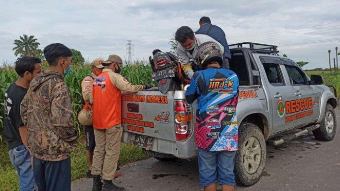 Korban Hanyut Jembatan Ambruk Belum Ditemukan, Relawan Evakuasi Bangkai Kendaraan