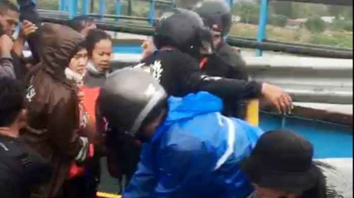 BREAKING NEWS Pintu Kapal Ihan Batak Jebol, Seorang Warga Tewas Terjebur ke Danau Toba
