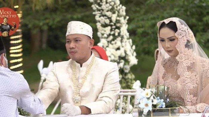 Kangen Suami, Kalina Ocktaranny Datang ke Lokasi Syuting, Menangis Lihat Vicky Prasetyo Pulas Tidur