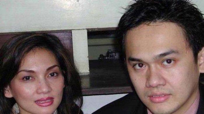 Farhat Abbas dan Nia Daniaty. (KOMPAS/RIZAL LAYUCK)