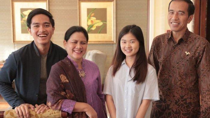 Felicia Tissue berfoto bersama Presiden Jokowi, Iriana Jokowi, dan Kaesang Pangarep
