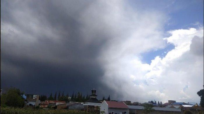 ERUPSI Gunung Sinabung Hari Ini, Berlangsung 12 Menit dan Aktivitas masih Berlangsung
