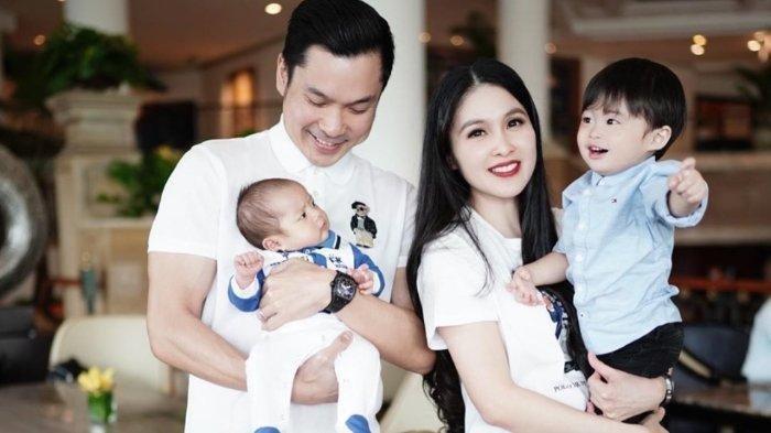 Aneh Sikap Pengasuh Anak Sandra Dewi Ini, Diberi Bonus Kebanyakan Mengundurkan Diri, Kini Menyesal