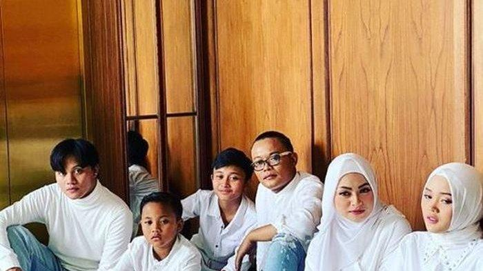 Foto keluarga Sule