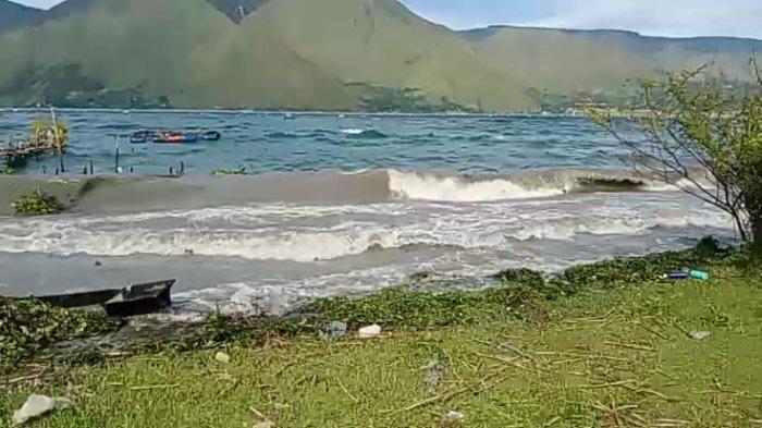Angin Kencang di Danau Toba, BMKG: Waspada Gelombang dan Pohon Tumbang