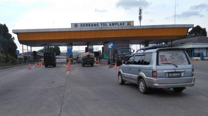 KONDISI MUDIK di Sumut, Penyekatan Arus Mudik Lebaran 2021 Jumlah Kendaraan di Gerbang Tol Amplas
